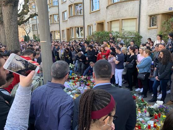 Regierungsrat Conradin Cramer zollt dem verstorbenen Siebenjährigen Respekt.