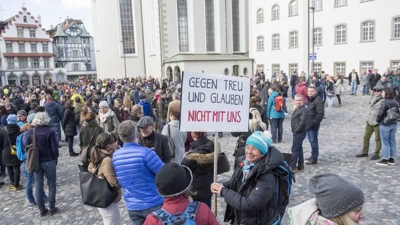 Bereits im April 2017 demonstrierte das Staatspersonal für die Einlage. (Archiv)