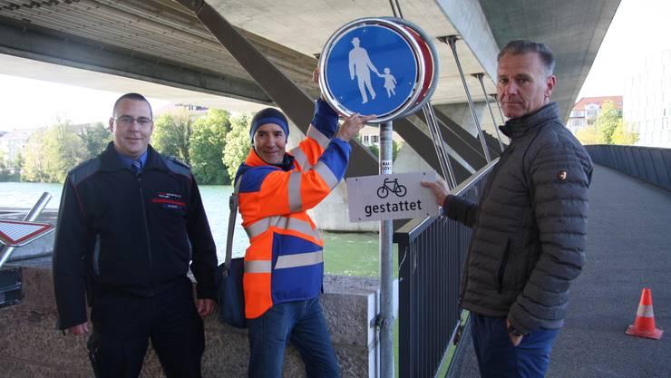 Das Fahrverbot wird aufgehoben (v. l.): Marcel Christ Peter Portmann und Thomas Pfister