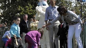 Barack und Michelle Obama beim traditionellen Ostereierrollen