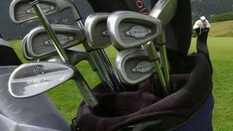 Einbrecher stahlen nur die teuersten Golfschläger. (Archiv)