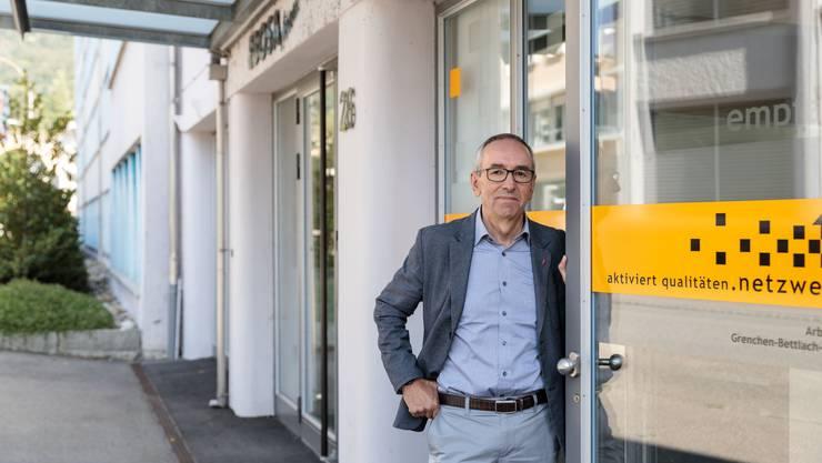 Sozialamtschef Kurt Boner vor dem Ebosa-Gebäude wo das Sozialamt Grenchen hinzügeln will