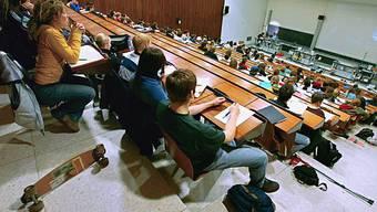 Immer mehr Studenten an der Uni Zürich