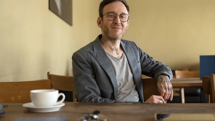 """Sollte er für sein """"Wolkenbruch""""-Drehbuch mit dem Schweizer Filmpreis ausgezeichnet werden, dann würde Autor Thomas Meyer die Trophäe neben das WC stellen. (Archivbild)"""