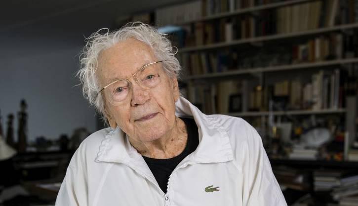 Der international bekannte Schweizer Künstler Hans Erni  ist mit 106 Jahren verstorben.