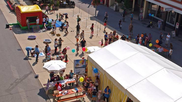 Die Kinderolympiade fand auf dem Marktplatz statt.