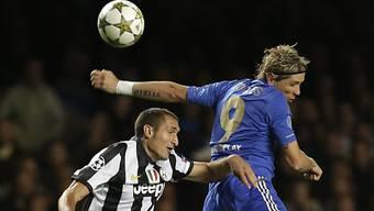 Duell in luftiger Höhe: Fernando Torres (Chelsea, rechts) gegen Giorgio Chiellini
