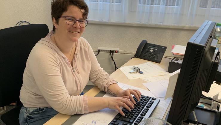 Ist Andrea Kuzma als Gemeindeammann gefragt, arbeitet sie gerne in ihrem Büro im Gemeindehaus.