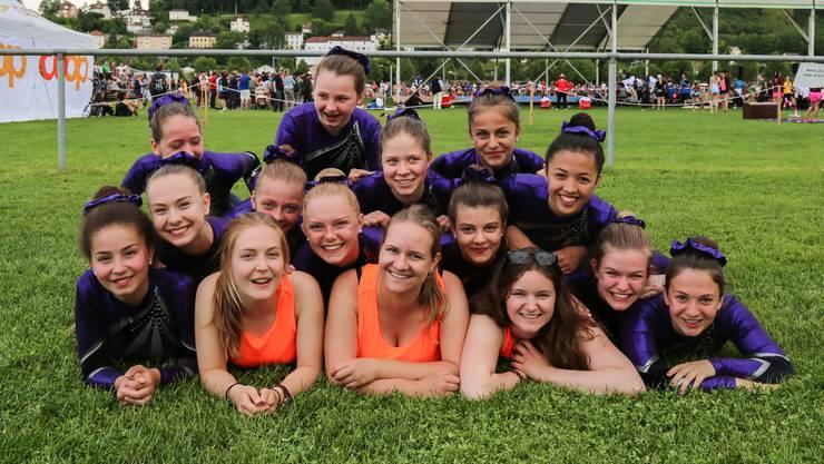 Ein Haufen voller tollen jungen Gymnastinnen des DTV Wettingens am ETF.