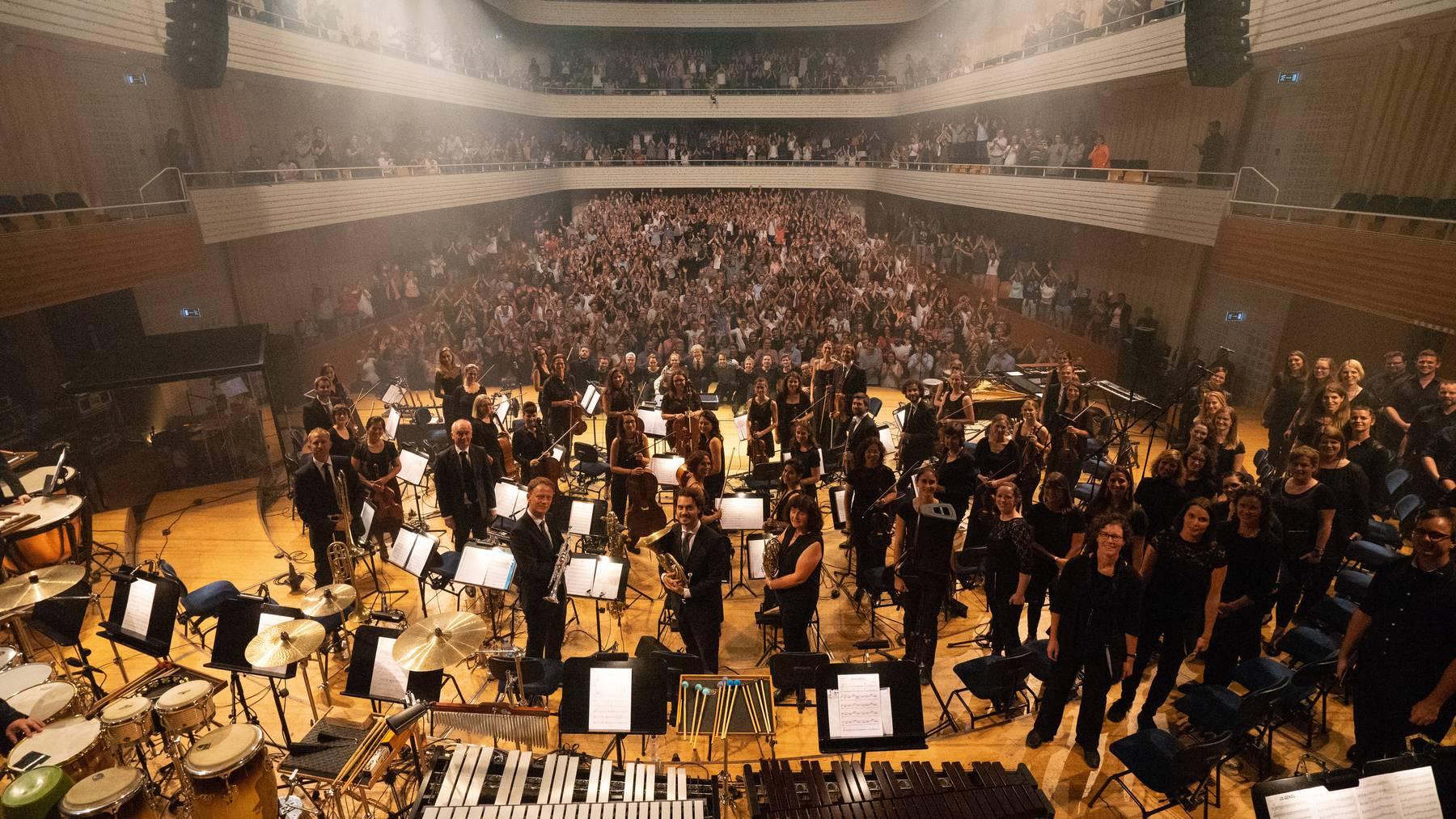 Radio Pilatus Music Night mit dem 21st Century Orchestra & Chorus und Lo & Leduc im KKL Luzern