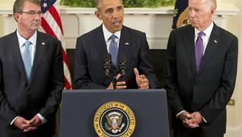 US-Präsident Obama erklärt seine Militärpolitik in Afghanistan, flankiert von Vizepräsident Biden (rechts) und Generalstabschef Dunford (links).