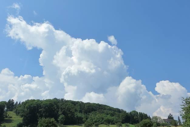 Die Wolken, hier noch nicht schwarz