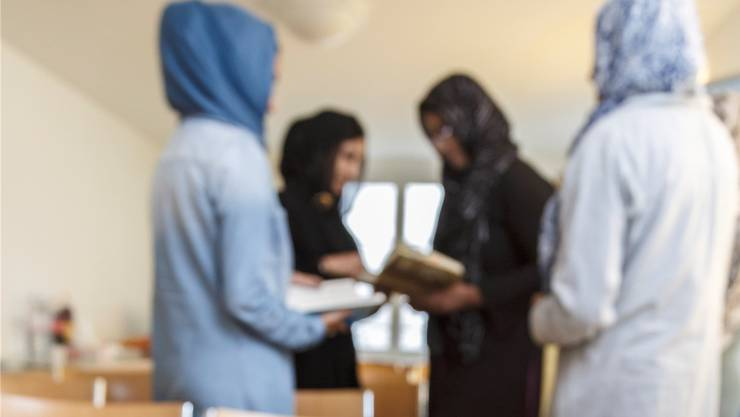 Vier Frauen der Ahmadiyya-Muslim-Gemeinschaft suchen den Dialog über den Islam. «Der Terror des IS zerstört den Ruf des Islam», sagen sie.