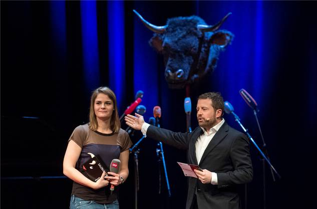 2017 wurde Hazel Brugger von Gabriel Vetter der Kabarett-Preis Salzburger Stier für die Schweiz überreicht. Sie war die bisher jüngste Preisträgerin.