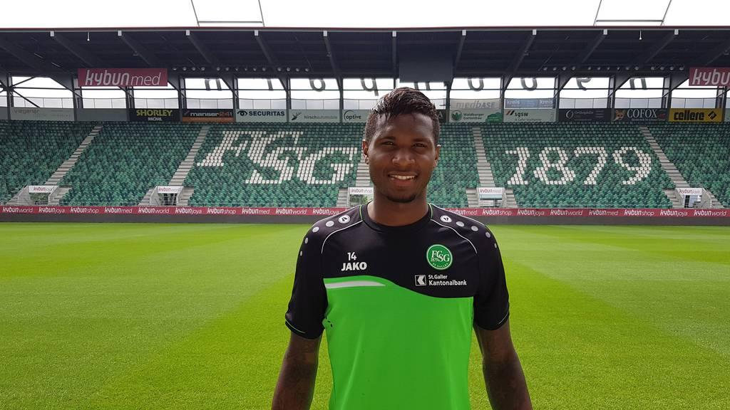 Fabiano Alves hat beim FCSG unterschrieben.