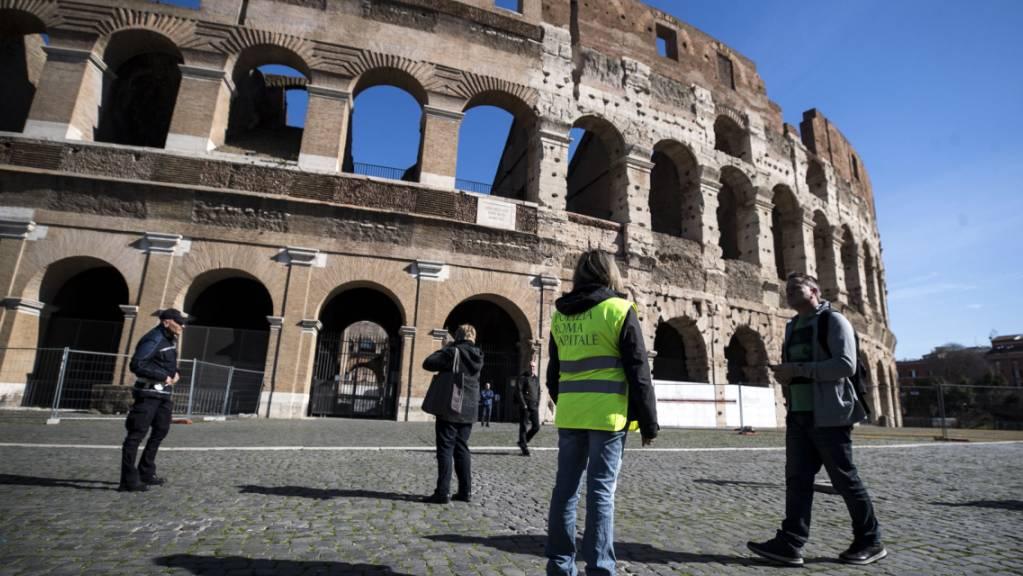 Die italienische Volkswirtschaft ist doch stärker negativ von der Coronavirus-Pandemie getroffen, als bisher angenommen worden war. (Symbolbild Rom)