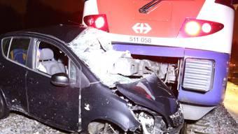 Der Autolenker konnte sich vor der Kollision in Sicherheit bringen.