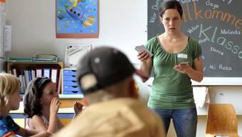 Weil die Schülerzahlen steigen, werden immer mehr Lehrkräfte gesucht.