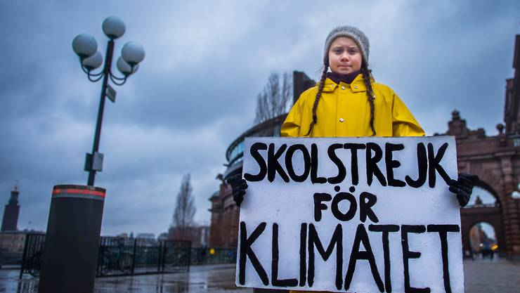 Vorbild: Greta Thunberg am 30. November 2018 vor dem Parlamentsgebäude in Stockholm.