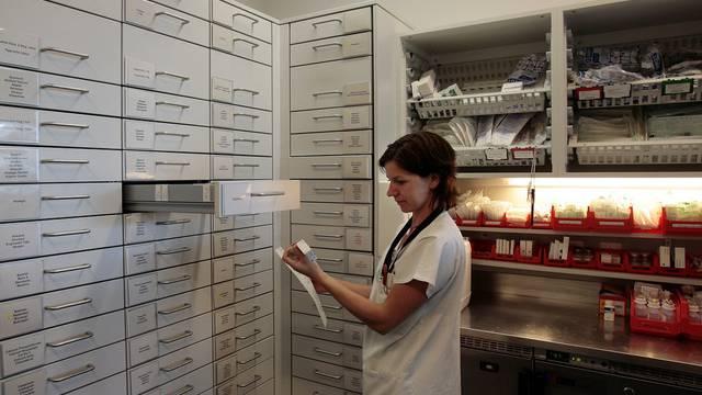 In der Apotheke auf der Intensivstation des Zürcher Triemli-Spitals (Archiv)