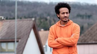 «Am Anfang war es Stress, aber jetzt geht es mir sehr gut»: Samuel, 27, anerkannter Flüchtling aus Eritrea, wohnt seit Sommer 2015 bei Familie Götschi Wunderli in Möriken.