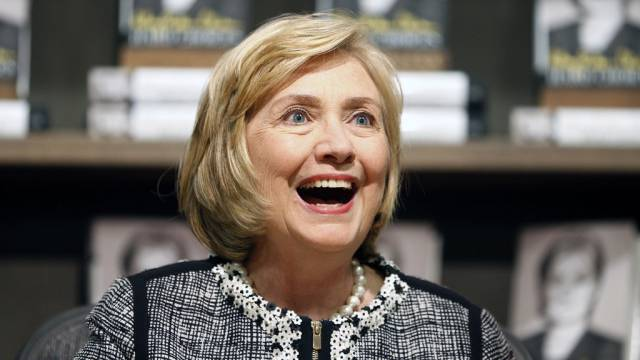 """""""Mit einer Umarmung besiegeln"""": Clinton sagt Obama Sorry (Archiv)"""