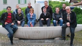Sie bilden das Organisationskomitee Brunnenfest (v.l.): Thomas Wey, Michael Brunner, Jonas Ackermann, Simon Guggisberg, Martina Flück, Fredy Müller, Stefan Saner, Christian Meister, Adrian Vogt, Anton Koch; es fehlt Markus Merklé.