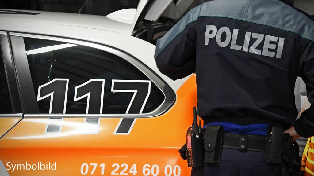 23-Jähriger schlägt einem Polizisten ins Gesicht
