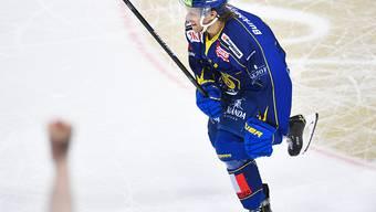 Mattias Tedenby war Doppeltorschütze für Davos im Penaltyschiessen gegen Ambri