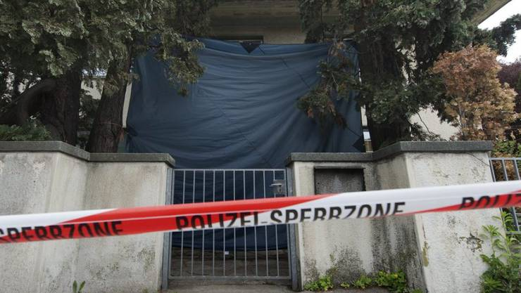 Der Tatort in Spiez im Mai 2013. Zwei Männer werden sich wegen des Doppeltötungsdelikts vor Gericht verantworten müssen.
