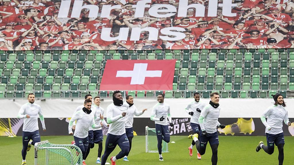 Die Schweizer Nationalmannschaft während des Abschlusstrainings in St. Gallen