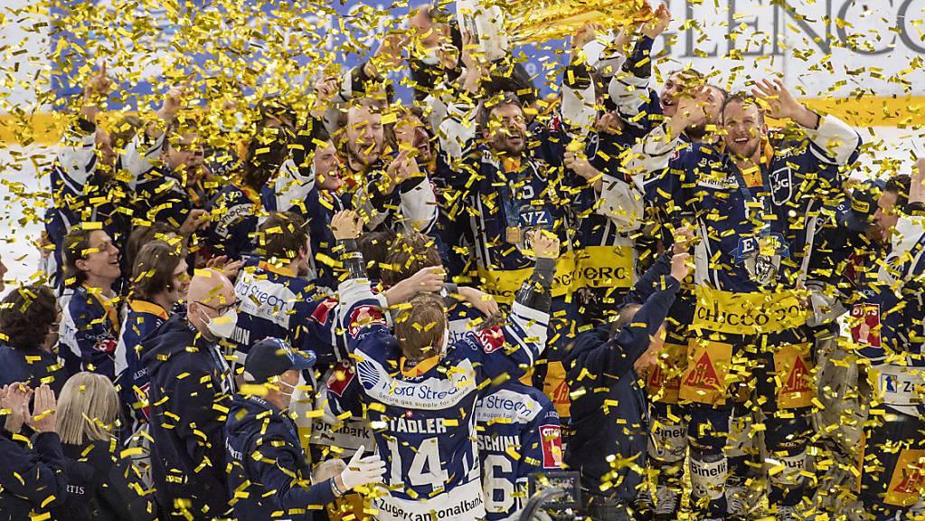 Goldener Konfettiregen für eine fast perfekte Mannschaft: Der EV Zug ist zum zweiten Mal Schweizer Meister