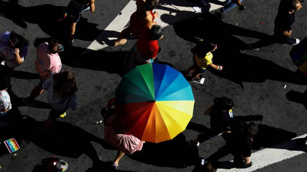 Teilnehmer bei der Homosexuellen-Parade am Sonntag in der brasilianischen Metropole Sao Paulo.