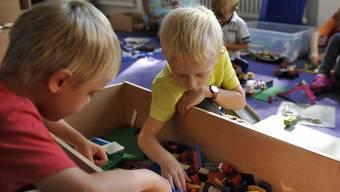 Die IG Basler Dialekt setzt sich dafür ein, dass Dialekt im Kindergarten gesprochen wird. Zweisprachigen Kindern fällt e später leichter, andere Sprachen zu lernen. (Symbolbild)