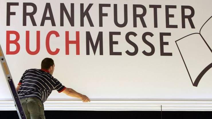 Die Schriftstellerverbände Deutschlands, Österreichs und der Schweiz haben am Freitag auf der Frankfurter Buchmesse eine gemeinsame 10-Punkte-Charta vorgelegt, die Mindeststandards für Verlagsverträge festlegt. (Archivbild)