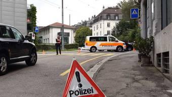 Bei einem Fall von schwerer häuslicher Gewalt wurden am Mittwoch in der Stadt St. Gallen mehrere Personen verletzt. Die Polizei stand mit einem Grossaufgebot im Einsatz und sperrte das Gebiet ab.