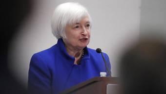 Die Fed-Chefin Janet Yellen gibt heute bekannt, ob die Zinsen weiter steigen (Archiv)
