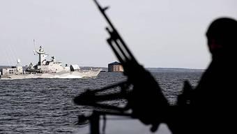 Die somalischen Piraten haben gemäss einer NGO eine Schiffsbesatzung freigelassen. (Symbolbild)