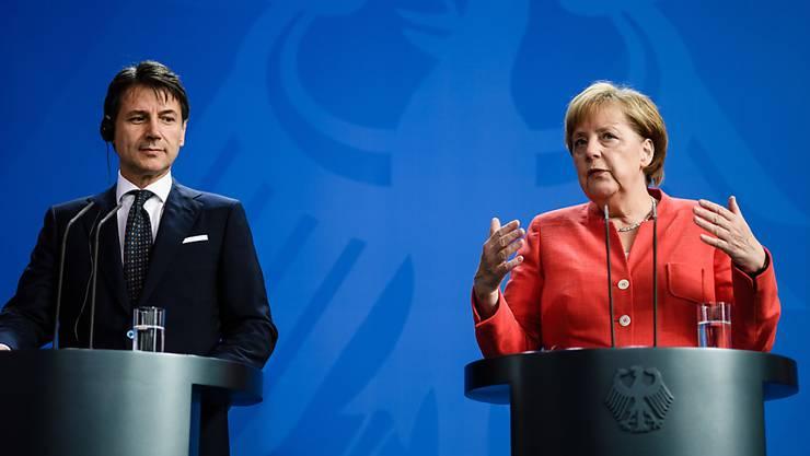 Italiens Ministerpräsident Giuseppe Conte und Bundeskanzlerin Angela Merkel sind sich einig, dass der EU-Aussengrenzenschutz und die Grenzschutzagentur Frontext verstärkt werden müssen.