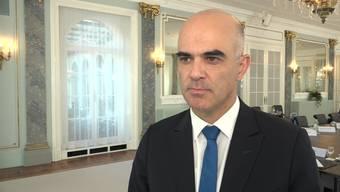 Innenminister Alain Berset über Zucker in Joghurts und Cerealien und die Ernährungsstrategie des Bundes.
