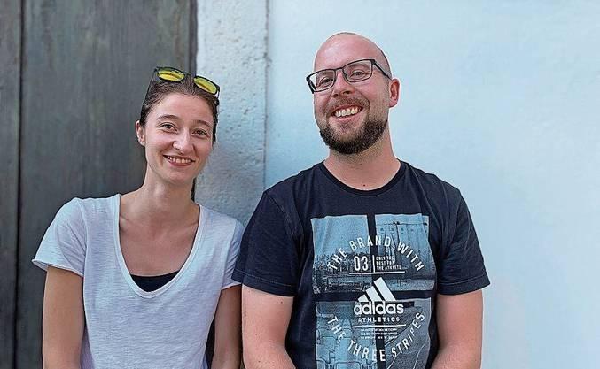 Die Jugendarbeiter Jelena Cvijetic und Till Baumann.