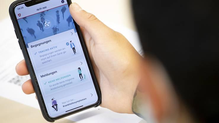 Die SwissCovid-App könnte bereits ab Ende Juni zur Verfügung stehen, wenn das Parlament den gesetzlichen Grundlagen zustimmt. (Archivbild)