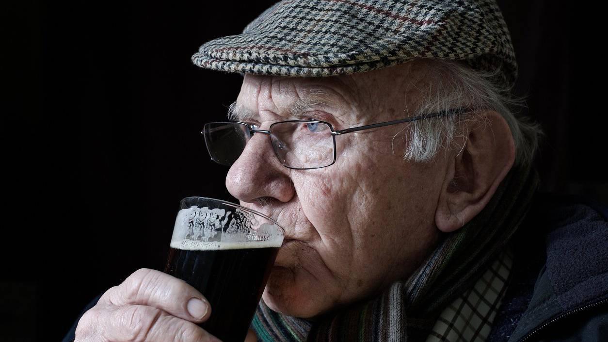Ein Gläschen Alkohol schadet offenbar nicht.