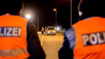 Während über vier Stunden habe die Polizei rund 250 Fahrzeuge und deren Insassen kontrolliert. (Symbolbild)