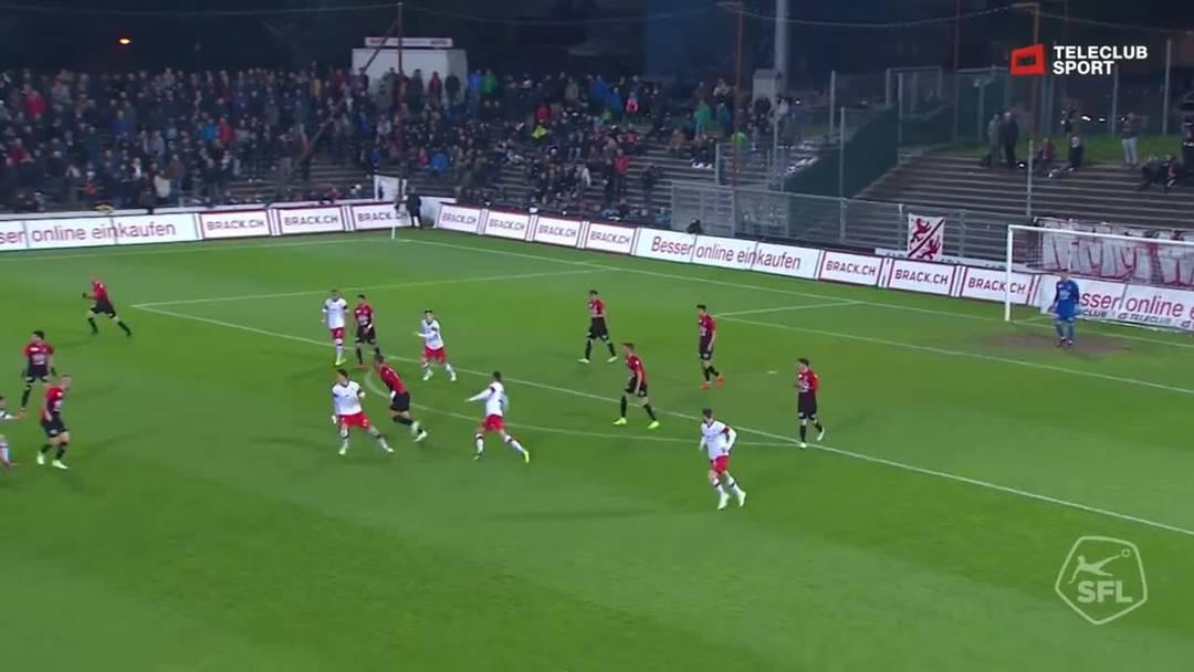 28. Minute: Nach einem Ballverlust der Winterthurer legt Stefan Maierhofer schön vor,  Marco Schneuwly weiss diese Chance aber nicht zu nutzen.