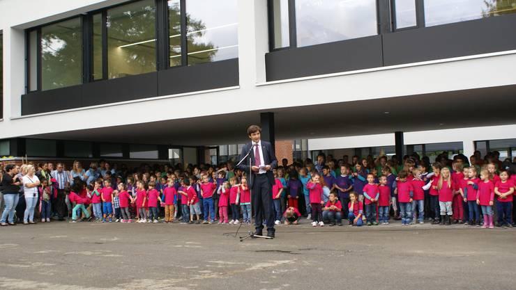 Die Einweihung des sanierten Schulhauses Eichholz wurde mit einem rauschenden Fest gefeiert.