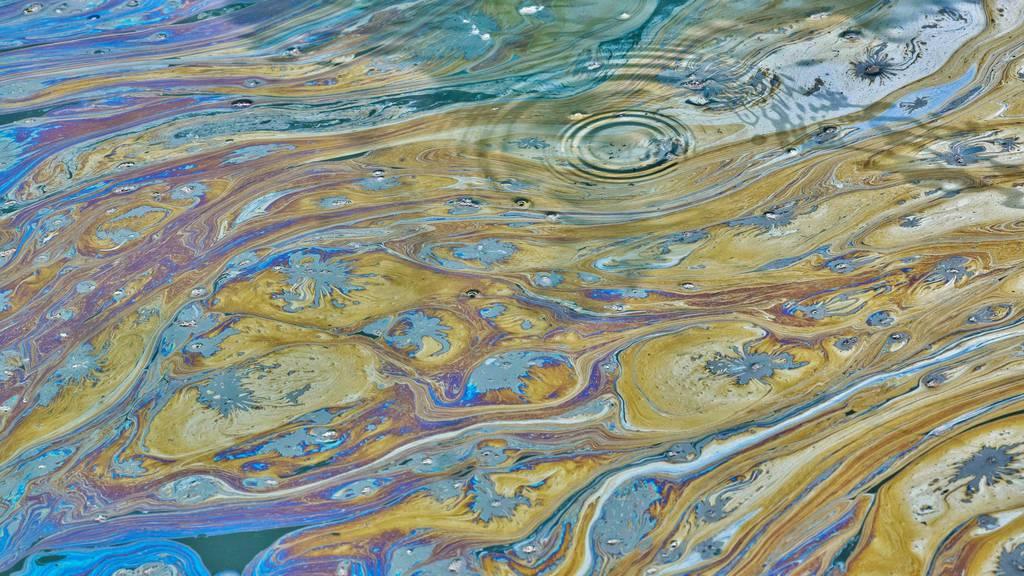 Dieselöl in Bach ausgelaufen