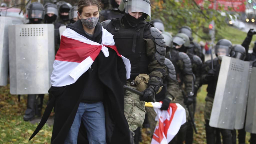Hunderte Festnahmen in Belarus bei Protesten gegen Lukaschenko