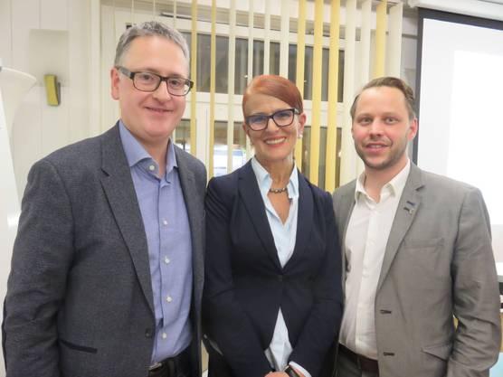 Stadtrat und Stadtpräsidentenkandidat Bachmann leitet die gemeinsam (FDP/SVP) organisierte Veranstaltung mit Sefika Garibovic und Pascal Stüssi