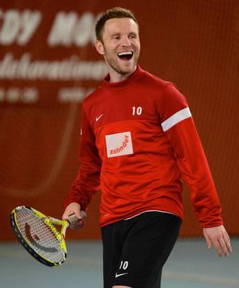 Alain Schultz hat sichtlich Spass am Tennis